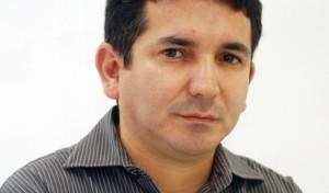 Suetoni Souto Maior analisa a política e o cotidiano da PB