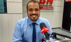 Galdino pede que UFPB e UFCG dê bônus de 10% nas notas do Enem para alunos da Paraíba