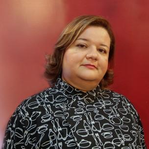 Ester Carvalho